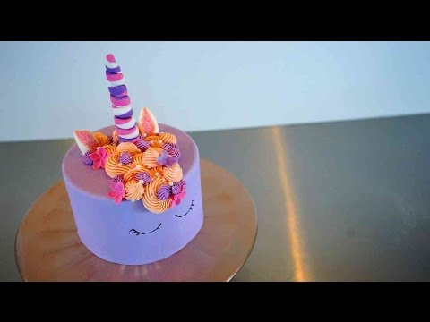 einfache einhorn torte glitzernde unicorn torte tutorial. Black Bedroom Furniture Sets. Home Design Ideas
