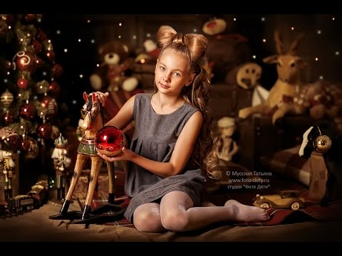 New Year Photos Children. Ideas for Christmas Photoshoot. Holiday decorations