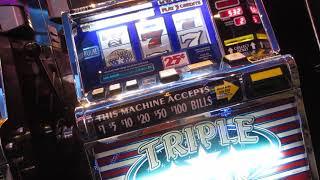 "Triple stars machines play """
