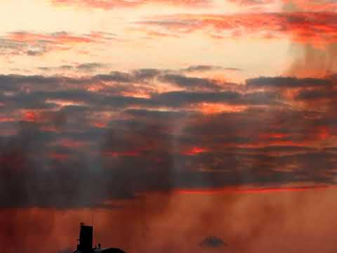 首里城火災の煙/首里城火事を那覇市街から見る