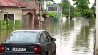 Repeat youtube video Кадри след наводнението в Добрич