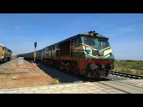 GOC WDP3A hauling Mayiladuturai - Tirunelveli passenger crossing  SCT - TBM Antyodaya Express