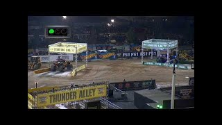 Son uva Digger vs El Toro Loco Monster Jam World Finals Racing Round 2 2016