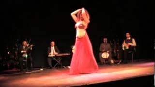 Aïda, danseuse orientale, à la soirée de SawaMchina