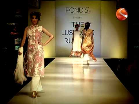 Ponds Lustrous Runway 2013 with Celebrity Showstopper Neha Dhupia
