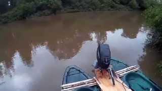 Caiaque Catamarã com motor 15hp / Kayak Catamaran With Motor 15hp