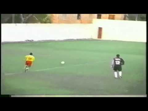 Player humiliated after football s ultimate miss   Yahoo! Eurosport UK