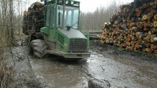 John Deere 1010D, very difficult road