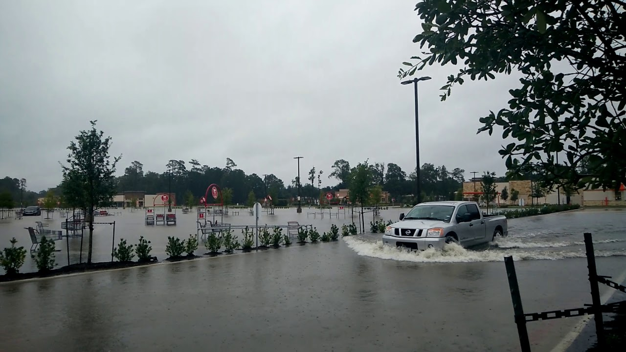 HEB Kingwood Flooded 8 28 2017 Doovi