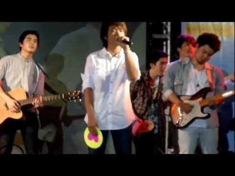 ขอบคุณกันและกัน - August Band Concert #17 @ Siam 29 Feb 2012