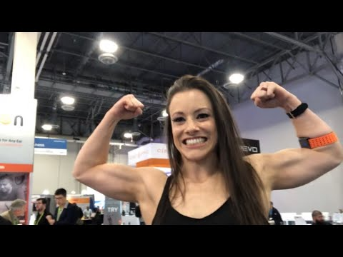 ‪Leah Christiana, Former Oakland Raiders Raiderette, Valencell Rep at #CES2019