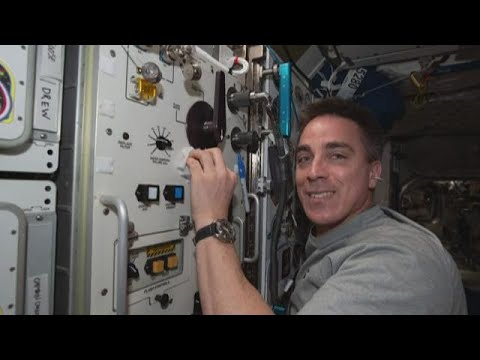 Maine astronaut to greet 2 other American astronauts at International Space Station - NEWS CENTER Maine