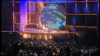 Baixar Westlife win Pop Act presented by Cat Deeley   BRIT Awards 2001