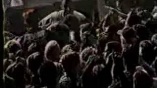 Billie Joe Armstrong, kicking some guys ass.