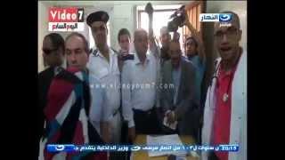 اخر النهار - محافظ الجيزة يقهر طبيب ومحمود سعد :  لو كنت محامي كنت رفعت قضية عليه فورا