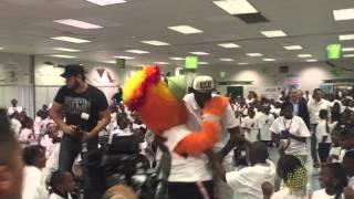 Amar'e Stoudemire | Dillard Elementary Visit