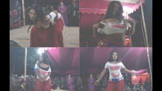 Download Video বাংলা ঝাকানাকা যাত্রা নাচ। Bangla Jatra New Video 2018 Dance Jaka Naka Jatra Video MP3 3GP MP4