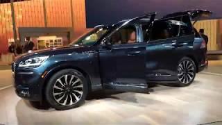 2020 Lincoln Aviator at Detroit auto show thumbnail
