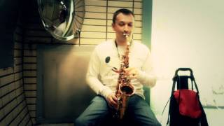 Saxophone @ London Central Line - Tomaž Playing (Greatest Love of All) Underground.mp4