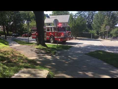 DCFD Engine 29 [2003 Pierce Dash] responding