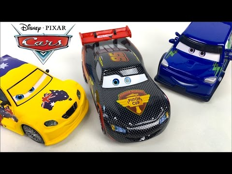 COLLECTION DELUXE DISNEY CARS DIE CAST WITH  LIGHTNING MCQUEEN CARBON RACER CHUCK HICKS -  UNBOXING