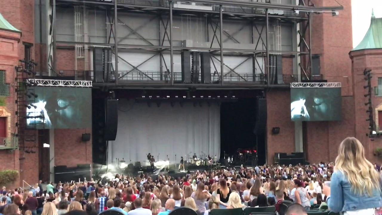 80s Mercedes - Maren Morris LIVE - Kansas City - YouTube