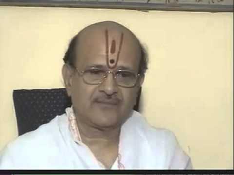 Shri Mahaprabhuji's  84 Vaishnav Varta  1   Intro to Damodardas Harsani    Gos  Shri Mathureshji bav