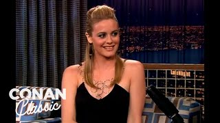 Alicia Silverstone Gardens In The Nude - 'Late Night With Conan O'Brien'
