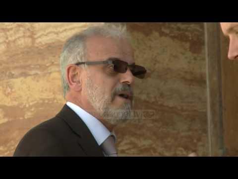 Talat Xhaferi, ushtaraku i të gjithëve - Top Channel Albania - News - Lajme