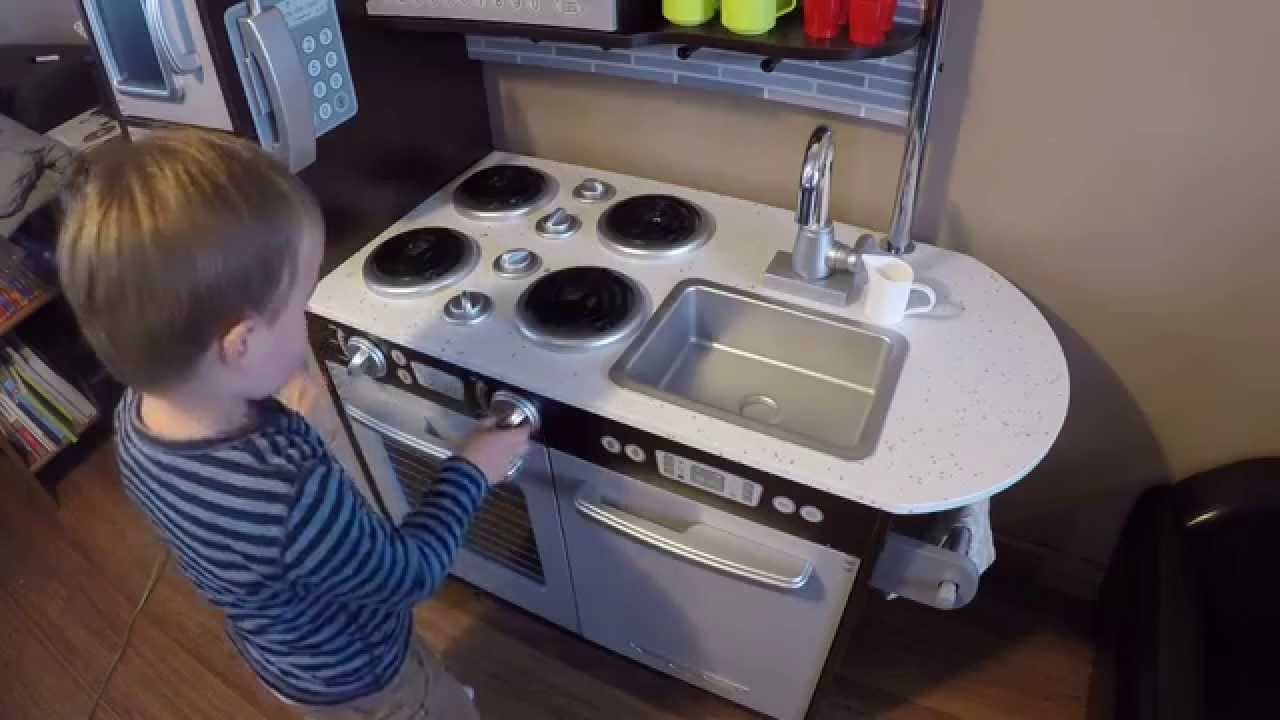 Wooden Kitchen KidKraft uptown espresso / cuisine enfant - YouTube