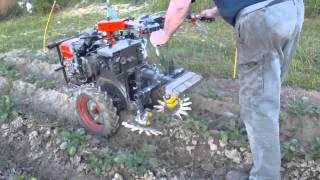 Einachser Fingerhacke Eigenbau Kartoffeln Unkraut / DIY Fingerweeder At DIY Walking Tractor