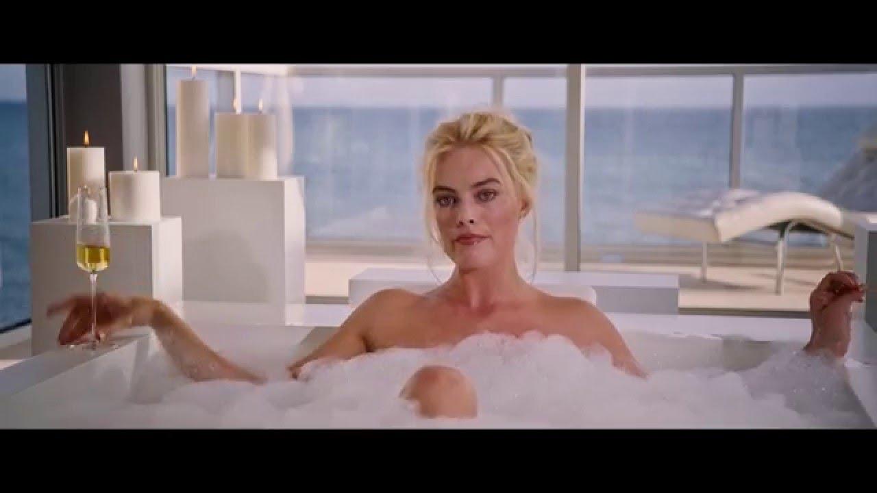 Pretty Woman Vasca Da Bagno : Baby boy avente una vasca da bagno foto immagine stock