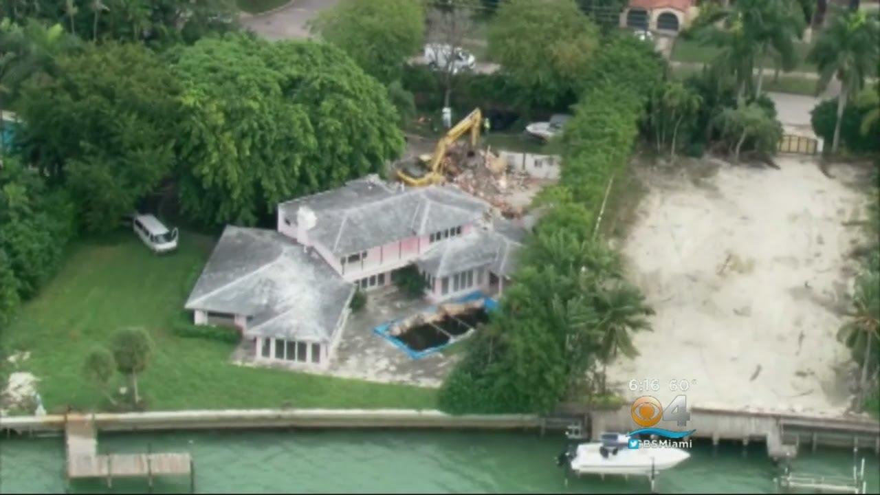 Drug Lord Pablo Escobaru0027s Miami Beach Mansion Demolished   YouTube