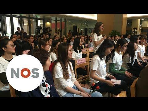 CHINA: Studenten vragen Rutte kleren van het lijf