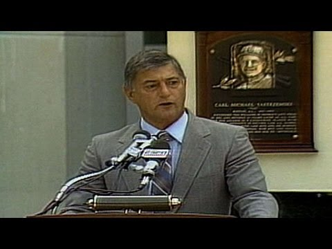 Yastrzemski delivers Hall of Fame induction speech