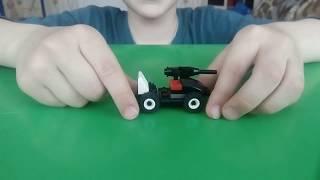Як зробити міні-бойову машину з лего