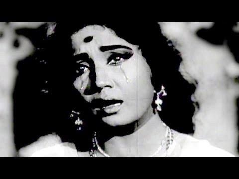 Krishna O Kale Krishna - Meena Kumari, Lata Mangeshkar, Main Bhi Ladki Hoon Song