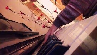 Ак чэчэклэр на фортепиано
