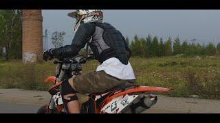 Supermoto vs Motocross Movie - Chill Saturday