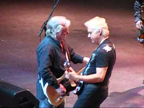 Paul Rodgers-Mick Ralphs sings Live Cant get enough of your love @Royal Albert Hall 27-04-2011
