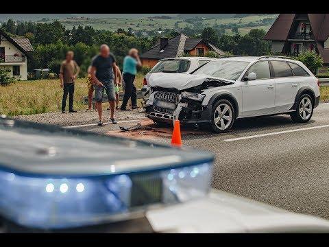 Czołowe zderzenie samochodów na DK28