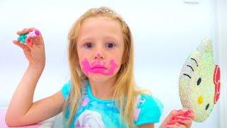 Stacy está aprendiendo a usar cosméticos para bebés.