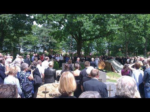 Dr. Hamer temetése - Funeral of Dr. Hamer - Beerdigung von Dr. med. Ryke Geerd Hamer