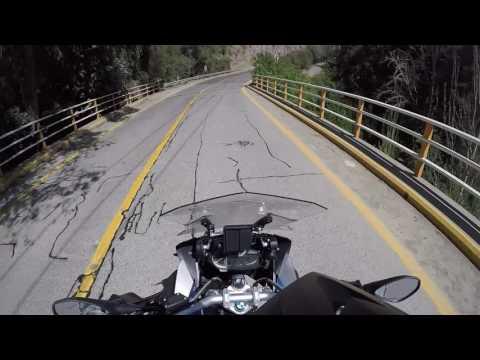 BMW R1200GS adv Camino Farellones a Santiago Chile