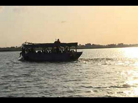 Abidjan: Le transport en pinasse résiste à la concurrence du troisième pont