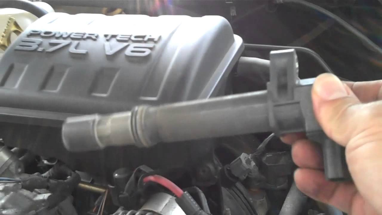 small resolution of spark plug change 2003 jeep liberty 3 7l part 1 youtube diagram also jeep liberty spark plug coil on dodge ram 1500 spark