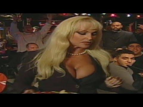 Debra at WWF New York - 11/06/2000