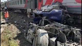 Фото Сравнял с землей: под Калугой бетоновоз столкнулся с поездом «Ейск-Москва»