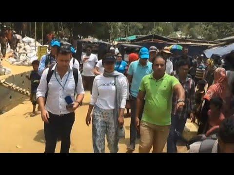 Bollywood star Priyanka Chopra visits Rohingya camp