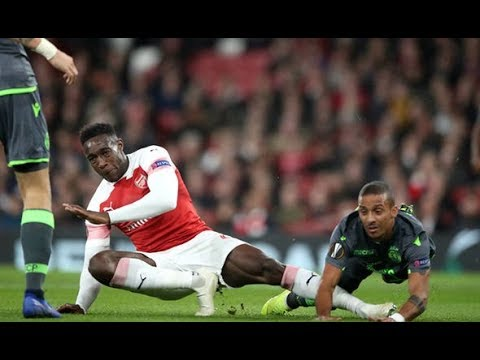 Danny Welbeck injury : Shocking pictures emerge as Arsenal ace stretchered off